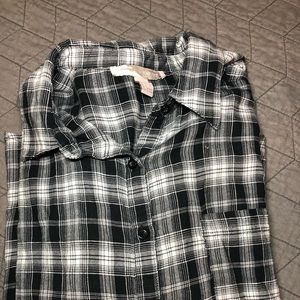 Black and white contemporary flannel size small